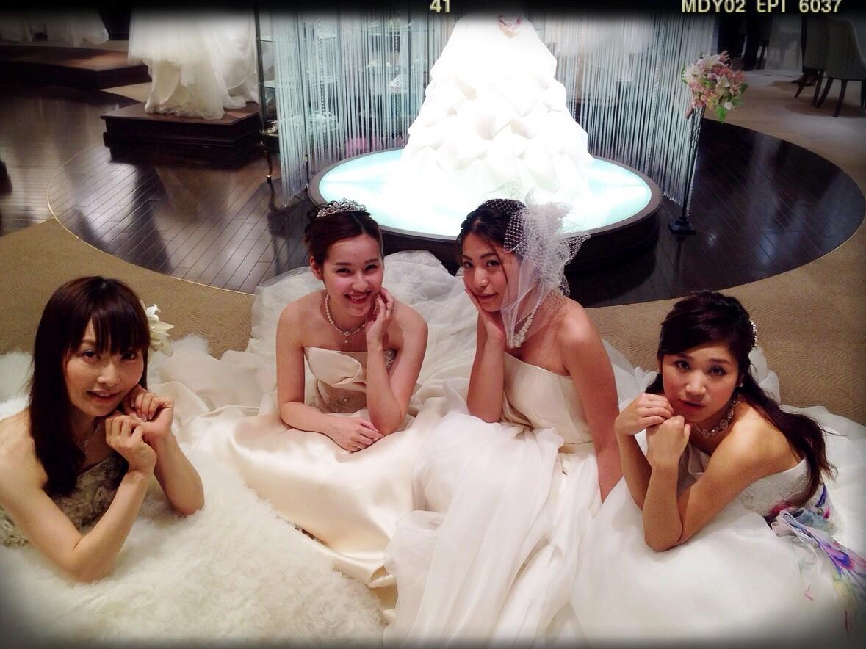 ウェディングドレス女子会