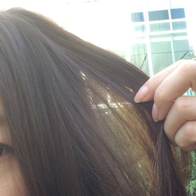 暑苦しい季節の夏髪はアッシュカラーで涼しげに