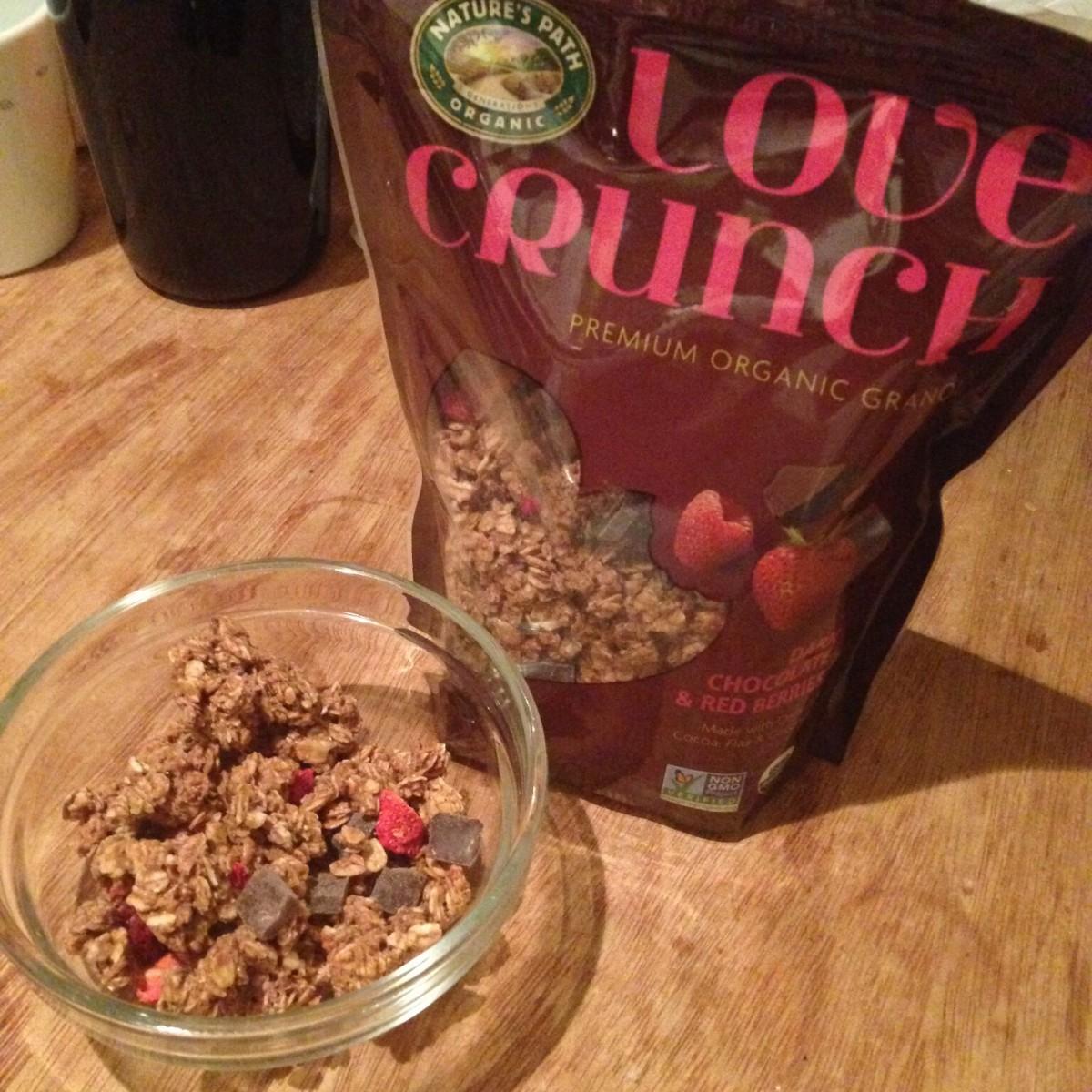 最近のお気に入り。「ラブクランチ オーガニックグラノーラ ダークチョコレート&レッドベリー」