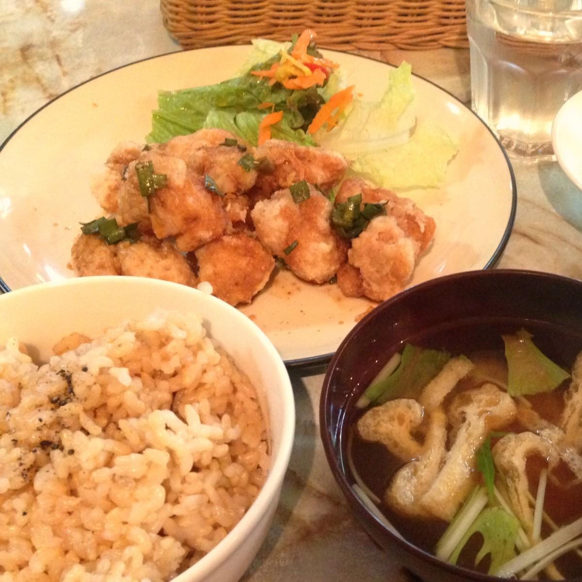 【ヴィーガンランチ】肉レスなのに満腹大満足のヘルシーランチを「なぎ食堂」で@渋谷