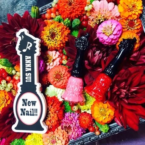 ANNA SUIの新ネイルコレクションで煌く指先に♡