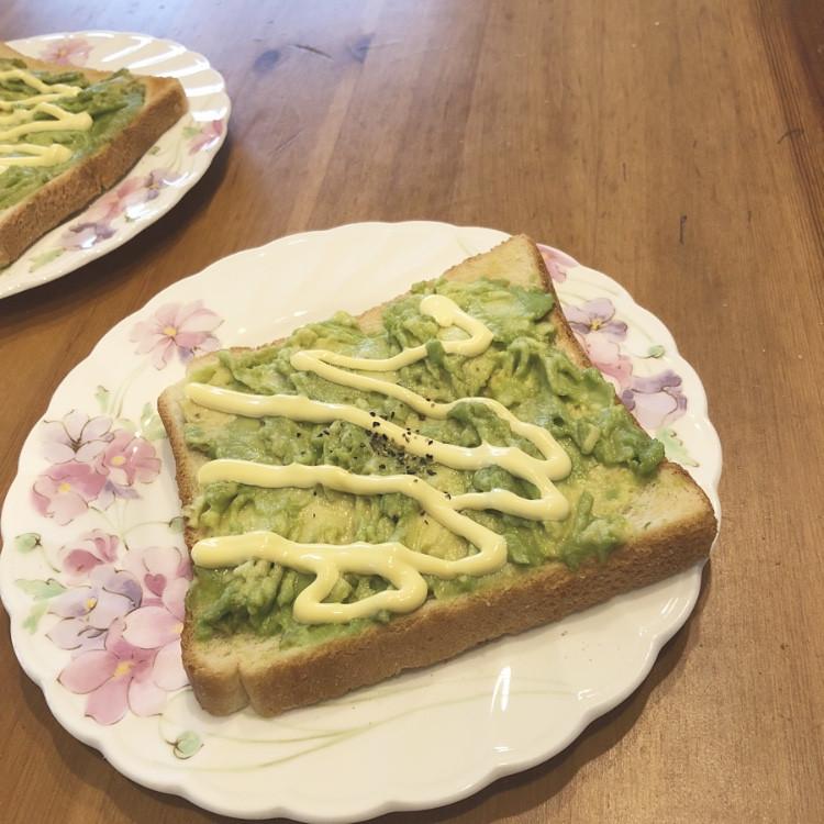 【美容食】朝から食べる美容液チャージ♡アボカドトースト