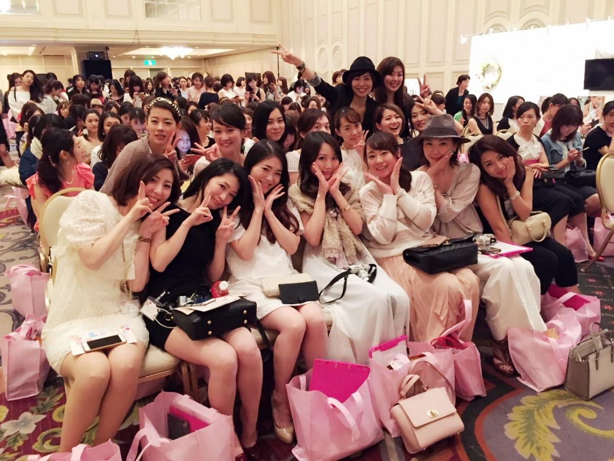 【マキア ビューティ★シェア】ドレスコードと集合写真♡