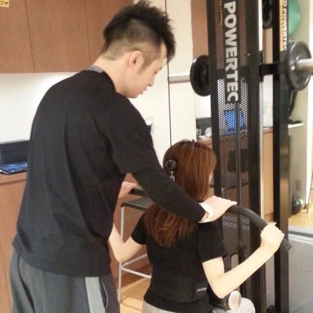 憧れの専属トレーナー!パーソナルトレーニングへ@南青山ARTISAN Personal Training