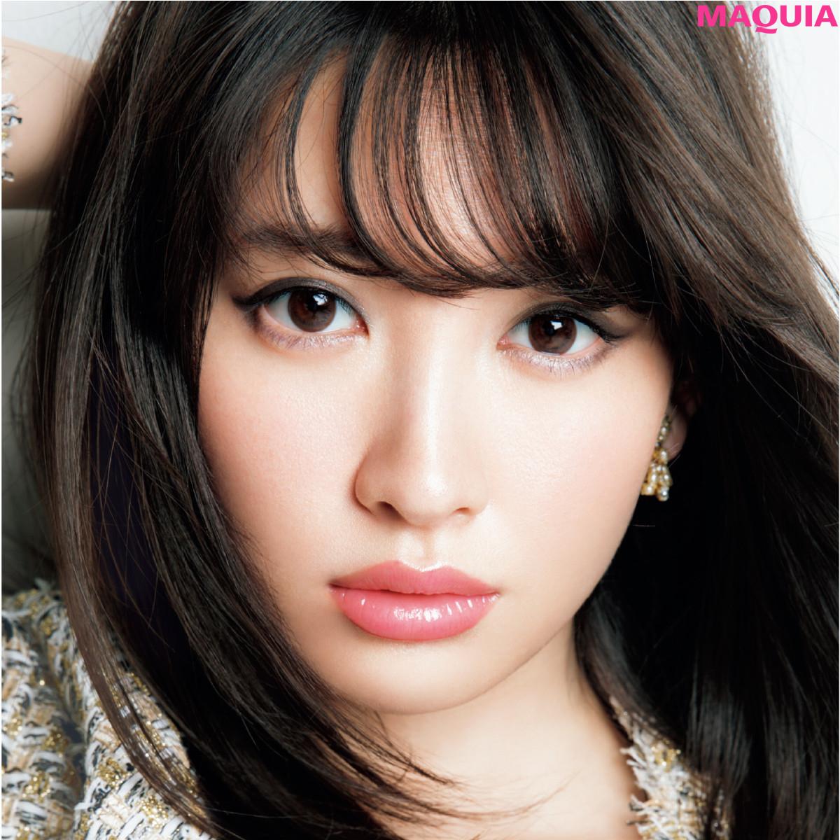 マキア最新号の表紙は小嶋陽菜さん! 秋めく2つの表情をお届け