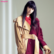 引き算で魅せるポイントカラー! 鈴木えみがまとう「赤」メイク&ファッション