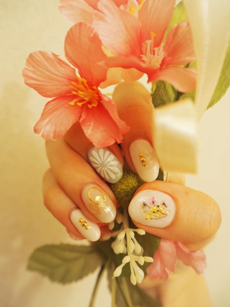 【小花ネイル×シェルネイル】MalvinaNAILで春ネイル♪