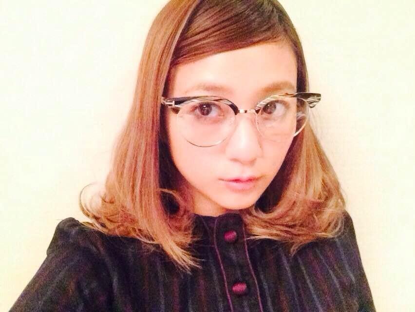 最近、ヘビロテしているダテ眼鏡【伊藤千晃のBijyo Diary】