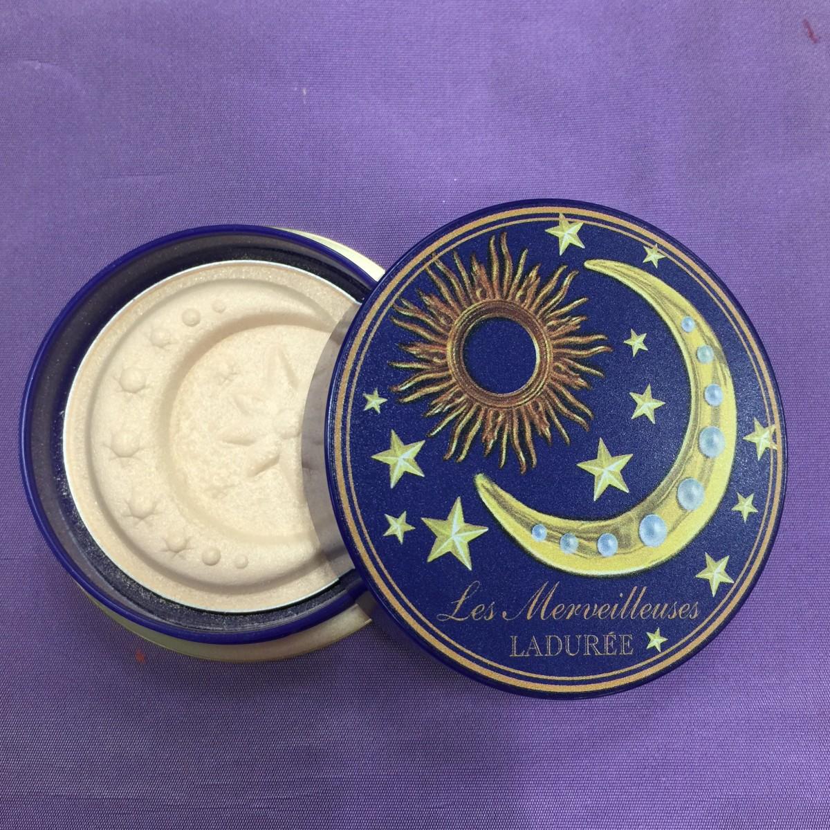 レ・メルヴェイユーズ ラデュレ から月と星の立体モチーフのパウダー限定発売