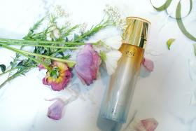 砂漠のような環境下でも潤いが持続!ベストコスメ受賞のあの保湿化粧水の秘密をご紹介!
