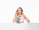「クリニーク」初のグローバル アンバサダーに女優・エミリア・クラークが就任。敏感肌ラインも登場!