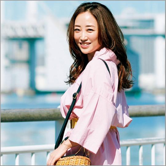 神崎恵さん流・彼のきゅんを誘うしぐさ・ファッション・メイク