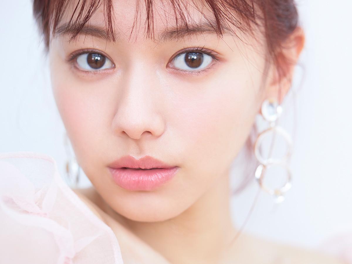 女優・山本舞香のキレイの秘密に迫る『山本舞香100問100答』 Vol.1 ビューティモデルとしての舞香さんは?