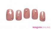 クールな輝きを秘めた、フェミニン「夏ピンク」ネイルが、今一番新しい!