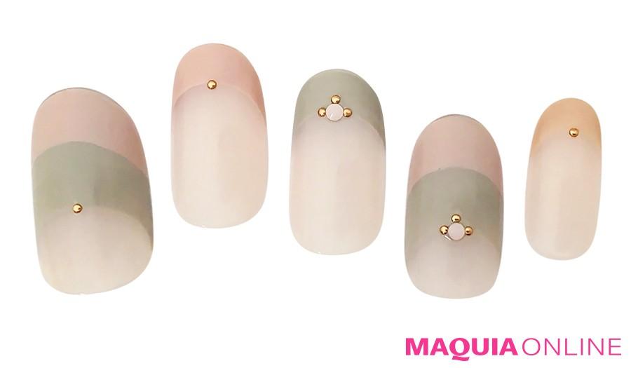 ピンクとグレーのスモーキーカラー♡ 大人の魅力の「モテピンク」