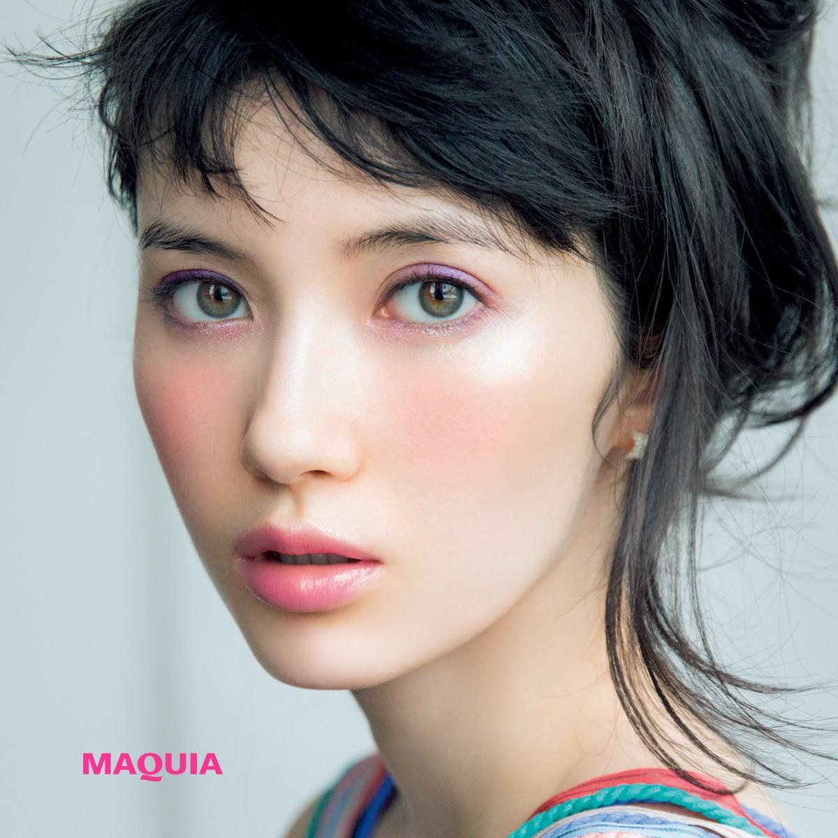 市川紗椰の目ジカラにドキッ♡ パープルメイクでカジュアルに色っぽく♡