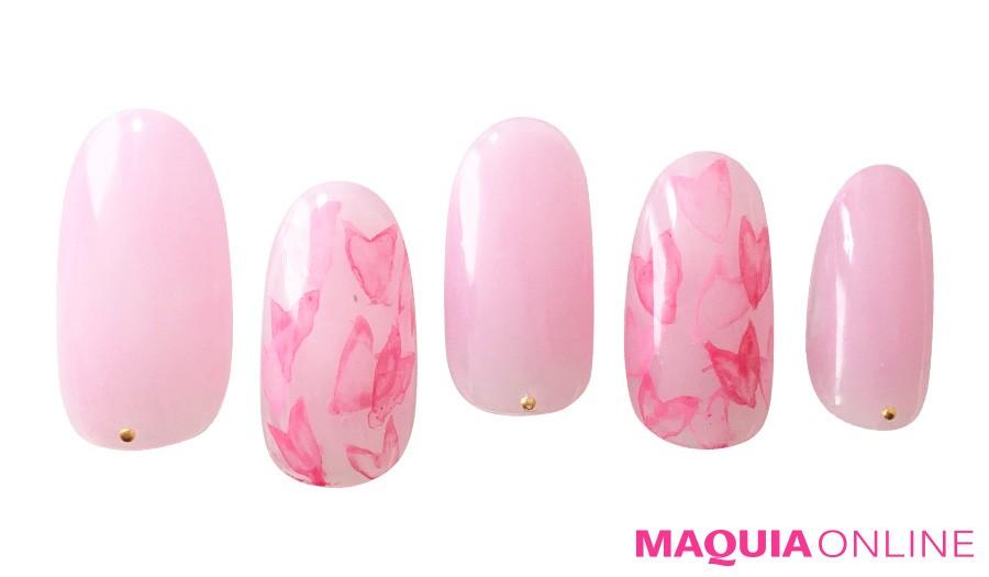 ふわりと色づく「桜」ネイルで、春をひとり占め!