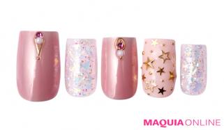 大人っぽさとファンシーな輝きが魅力の「ピンク&パール」ネイル