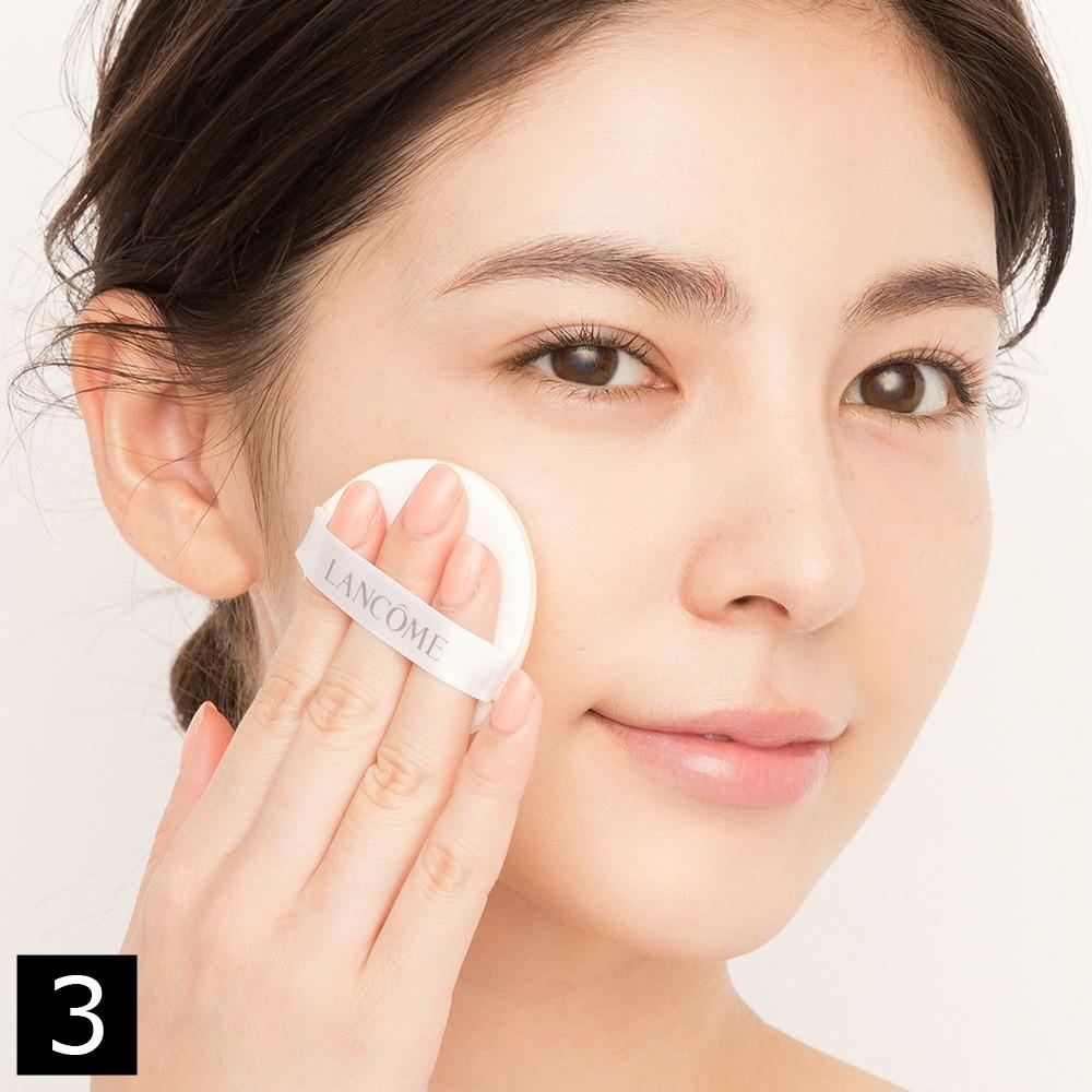 ぷるんとみずみずしいツヤ肌を作る、クッションファンデーションの簡単3ステップ_1_3