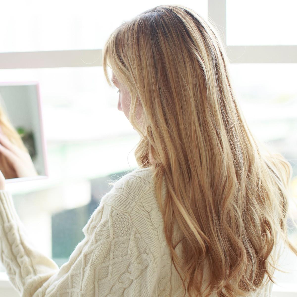 女性の薄毛&白髪が増加中!? 今すぐ「髪と頭皮」について知ろう!