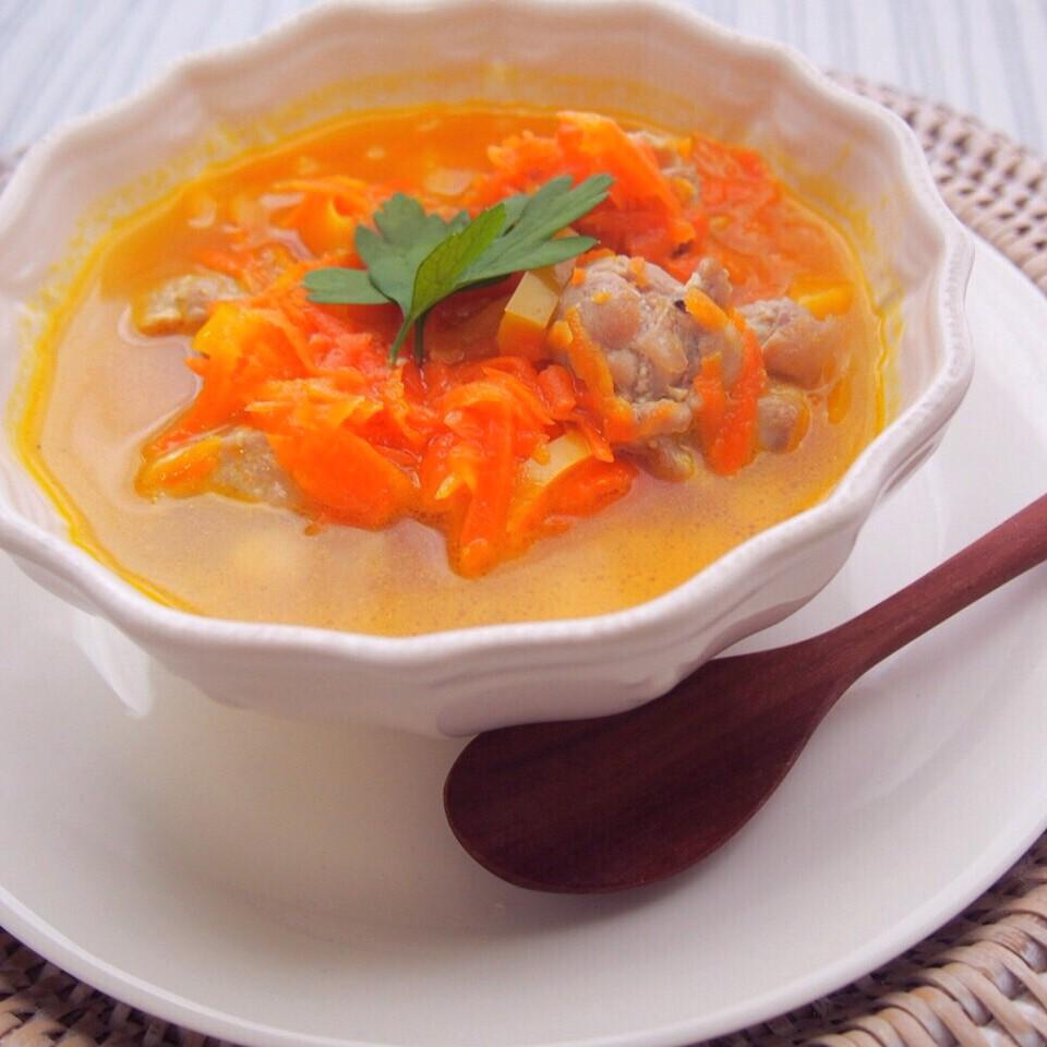 Let's 朝活! 美肌スープレシピ♪ 「人参とパプリカのチキンスープ」