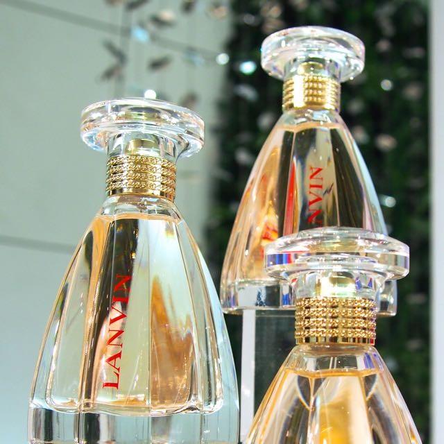 プリンセスのドレス姿のような香水瓶 ランバン「モダン プリンセス オードパルファム」10/1新発売 華やかなのに自然体でセクシーそして自由をこよなく愛する女性をイメージした香り 10/1新発売