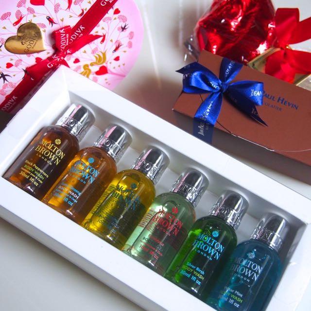 リラックスを贈るバレンタイン♡モルトンブラウン「アイコン バス&シャワーコレクション」数量限定発売 ユーカリやウォーターミント、世界中の稀少な植物成分配合の爽やかな香り☆チョコに添えてインパクト有り♡