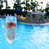 LUXのナイトプールへ行こう!生花のバラが浮くプール見たのは初めて!