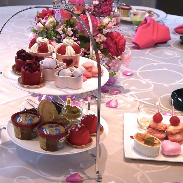 """春に行こっ!ピンクとハートに包まれる幸福な時間""""Happy Heart Afternoon Tea with Häagen-Dazs""""@東京マリオットホテル 断面がハートのケーキにキュン!ハーゲンダッツのオリジナルスプーンのプレゼント付き。"""