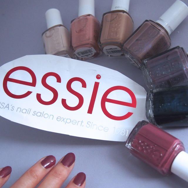 指先に秋。essie  fall collection 〜cashmere〜 9/5 全7色(限定5色) 新発売 カシミヤブラウンに虹色キラリ・。*☆ぬくもりがあるマットネイルの上品さ。