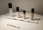 【LUNASOL】艶肌が簡単に作れる!素肌までも美しく!みずみずしいツヤを叶えるスキンケア発想の新ファンデーション