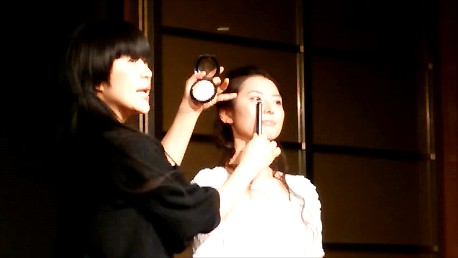 【ビューティーテイスト動画】M・A・C シニアアーティスト 池田ハリス留美子氏のメイクショーのポイントおさらい!