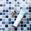 SNSで話題、北海道産ミルク使用でちゃっかり白肌へ、5役こなす化粧下地