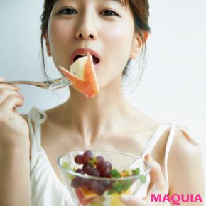 田中みな実さんの朝の過ごし方は? 旬のフルーツと水で体を満たす!