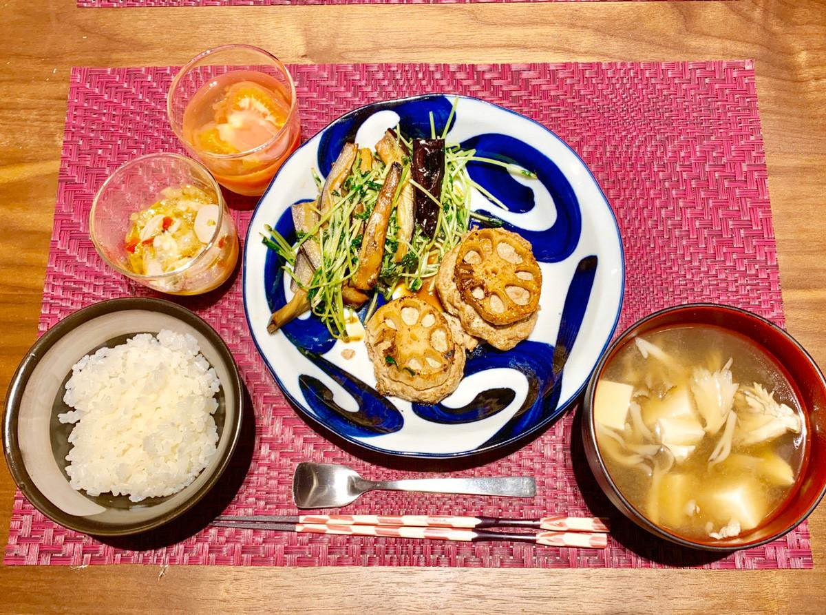 食事は蒸し物など調理工程がシンプルで、野菜多めのカラフルなメニューに。