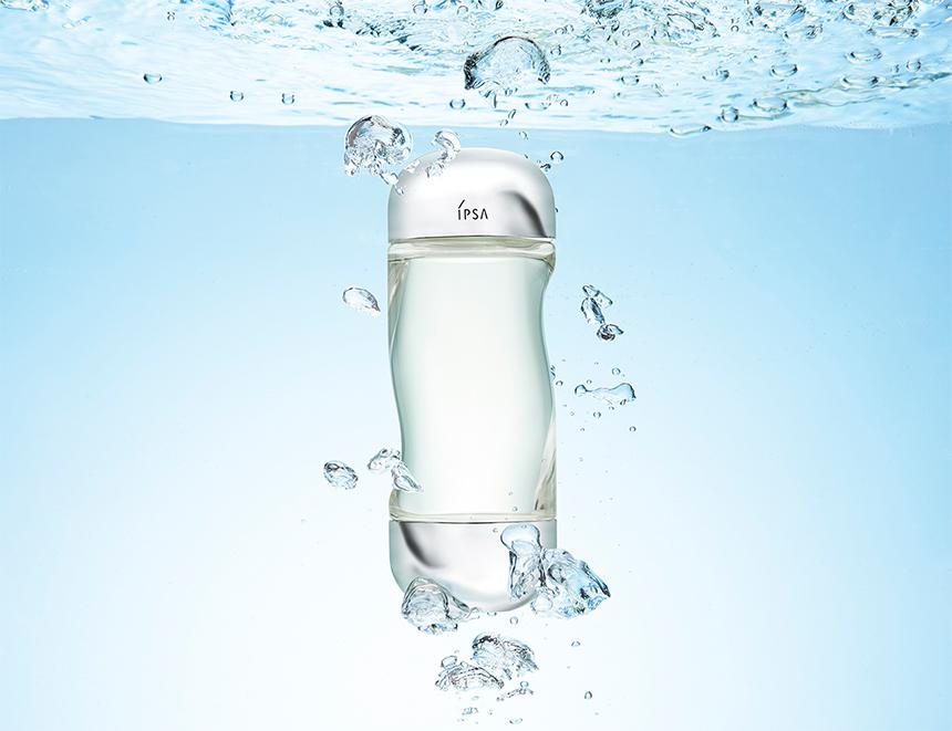 みずみずしいうるおいが続く タイムレスな薬用化粧水