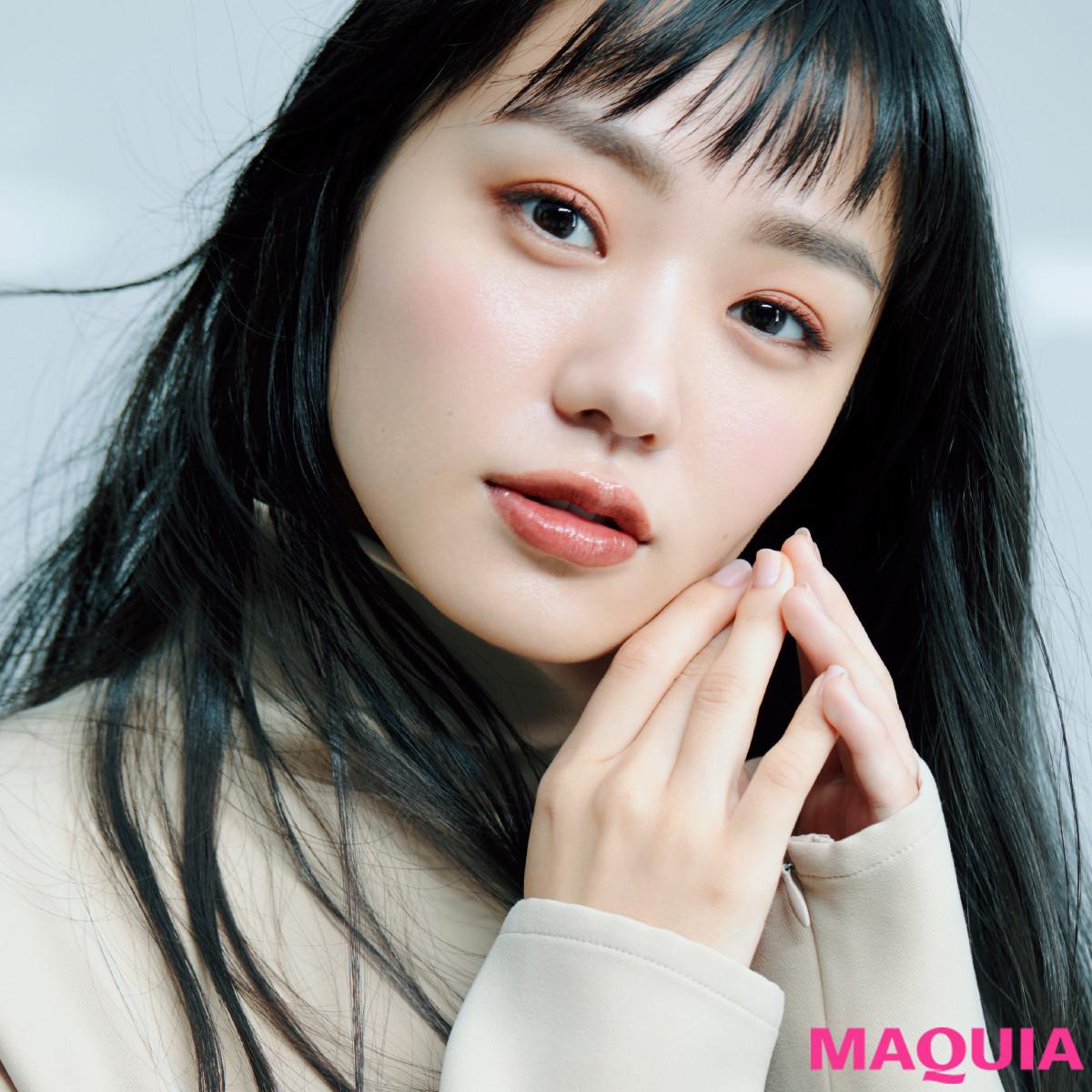 女優・奈緒さんがベスコス受賞メイクで変身! 色気と癒しを両立したテラコッタメイク