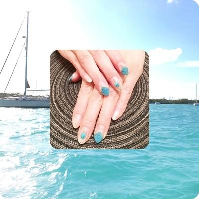 夏を先取り!ターコイズネイルは大好きな海のブルーで♥