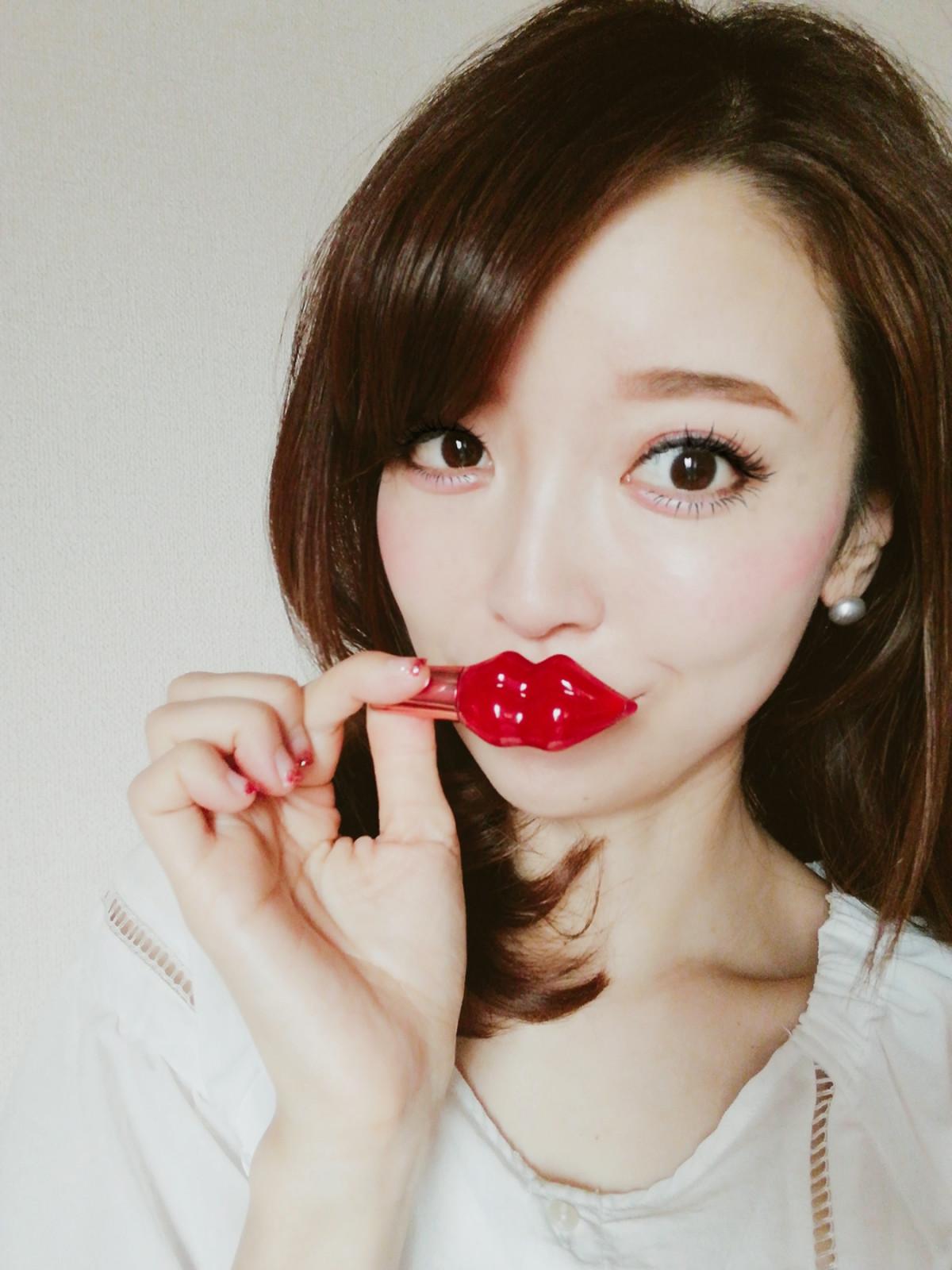 唇の形がとにかくかわいい! ステラシード プランプピンク メルティーリップセラム