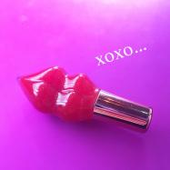 【プチプラリップ♡︎】ぷっくりキュートな唇に!パケ買いしたくなる《PLUMP PINK-プランプピンク-》でリップメイク&ケア♡︎