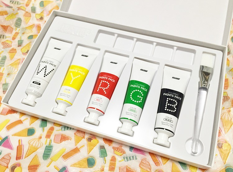 COLOEING PAINTS PACK