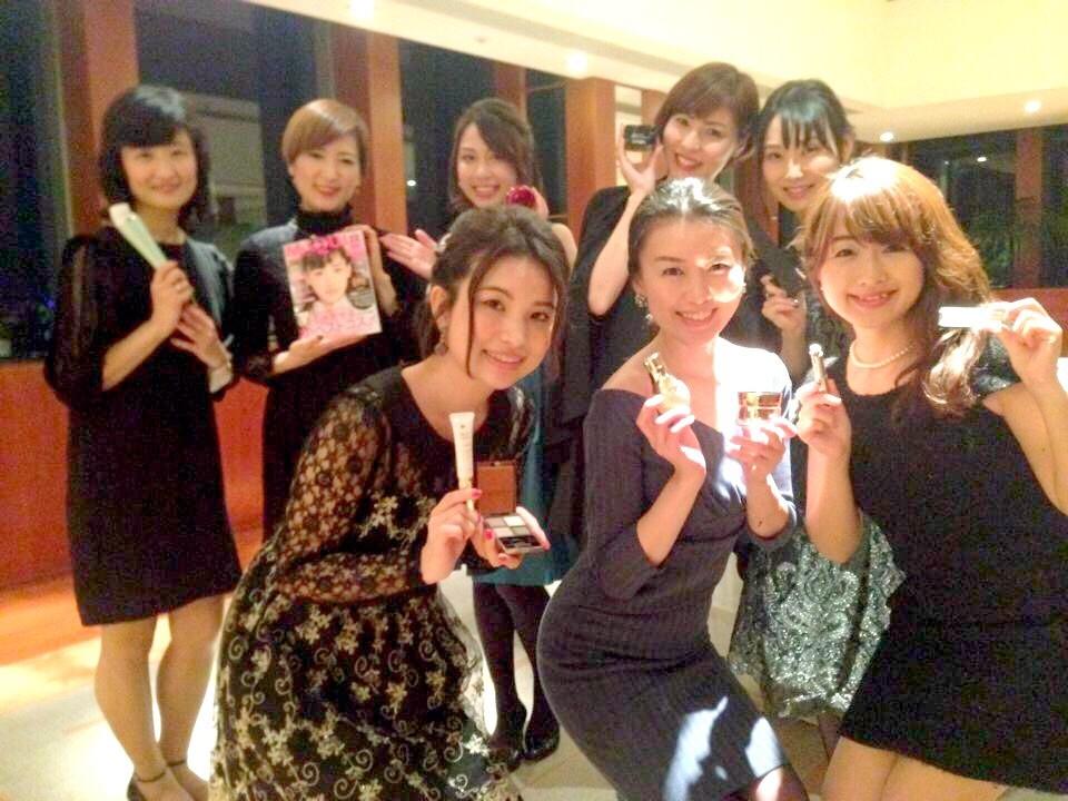 本日、2015年下半期ベストコスメお試し会 & マキア1月号一部地域先行発売!