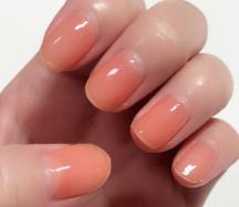 【シンプルネイル】ピンクに飽きたら肌馴染み抜群なオレンジネイルがオススメ!
