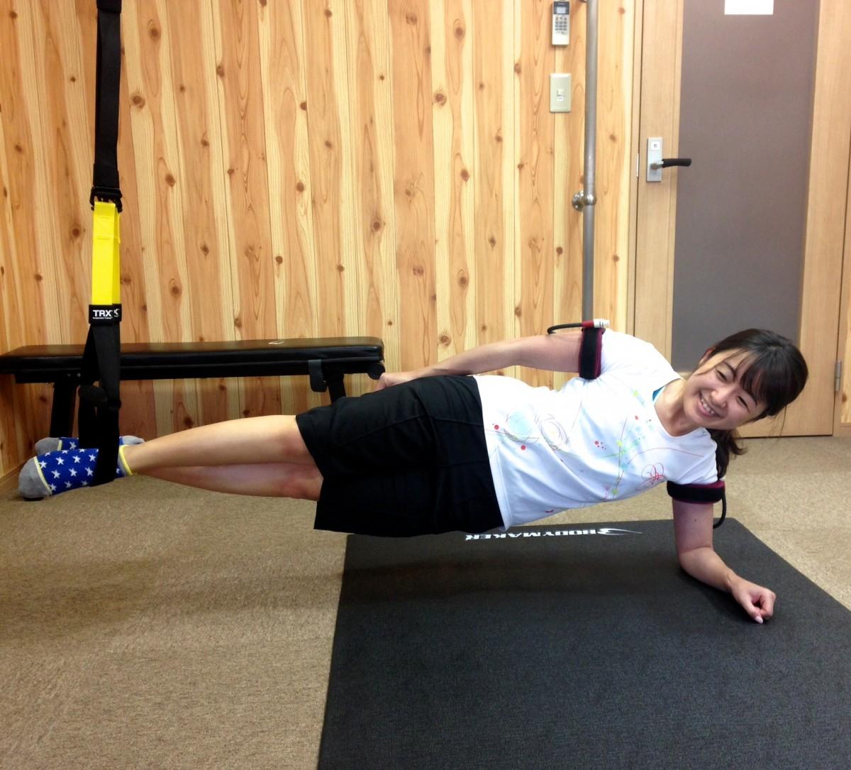 二の腕・側筋・お尻をまとめて鍛える!週1加圧トレーニングレポ