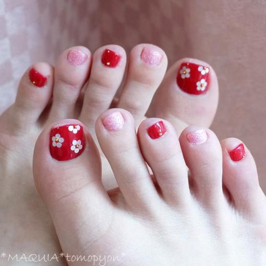 #ネイルホリック★小さい足の爪にも塗りやすくておススメ!サンダル×ペディキュアの季節到来!