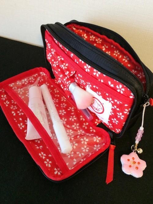 年中桜を愛でる 化粧ポーチ。京都ちどりや「まいこポーチ」