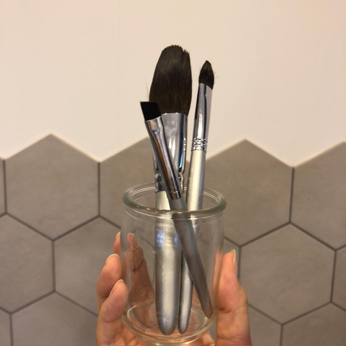 どこよりも詳しいメイクブラシの洗い方!使った化粧筆100本超えのAyakoが洗う方法&頻度を毛質別に解説_1_4