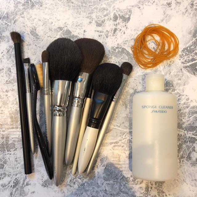 どこよりも詳しいメイクブラシの洗い方!使った化粧筆100本超えのAyakoが洗う方法&頻度を毛質別に解説_1_1