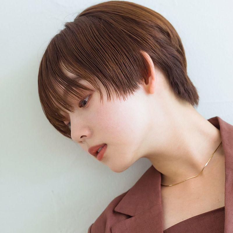 【ヘアカタログ | 髪型別・前髪ありのおすすめヘアアレンジまとめ】ショート_ノンパーマでおしゃれにキマる、小顔仕上げのマニッシュショート2