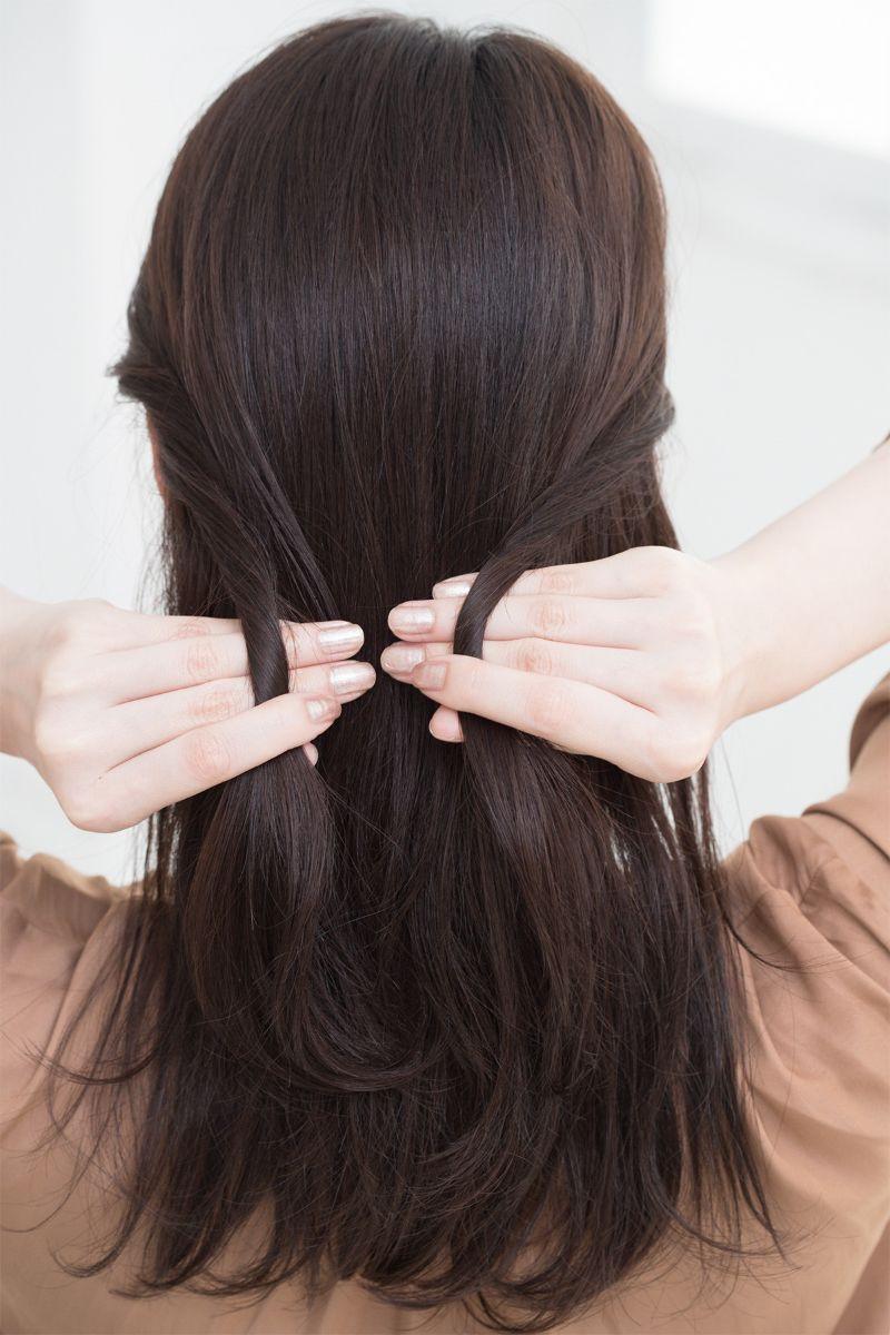 【ヘアカタログ | 髪型別・前髪ありのおすすめヘアアレンジまとめ】ねじりハーフアップで、大人のロマンティックスタイル_3